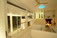 30-living-room-night-reduced.jpg