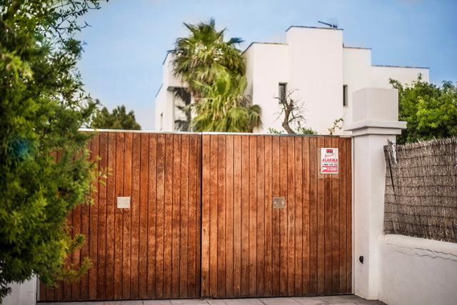 villa 2 - 4 bedrooms -san jordi00
