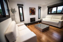 villa 2 - 4 bedrooms -san jordi01