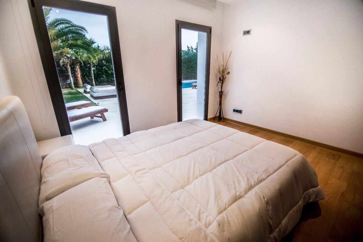 villa 2 - 4 bedrooms -san jordi07