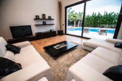 villa 2 - 4 bedrooms -san jordi13