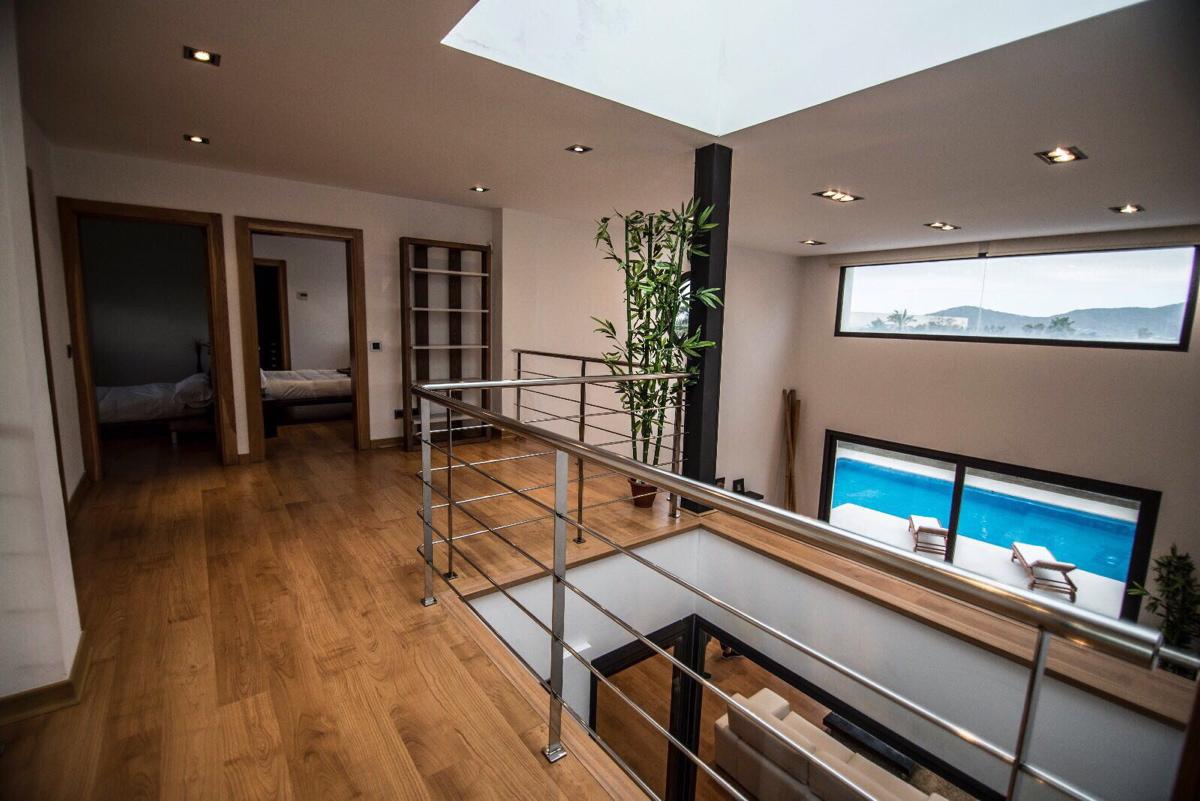 villa 2 - 4 bedrooms -san jordi19