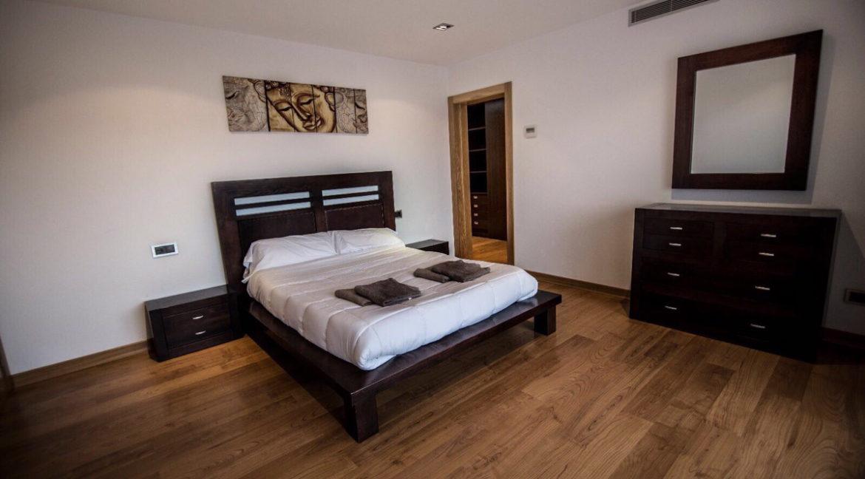 villa 2 - 4 bedrooms -san jordi24