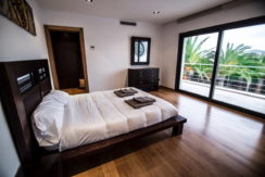 villa 2 - 4 bedrooms -san jordi28