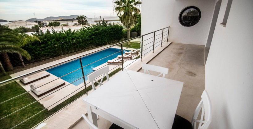 villa-2-4-bedrooms-san-jordi29.jpg