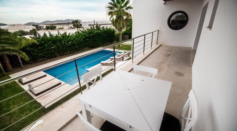 villa 2 - 4 bedrooms -san jordi29