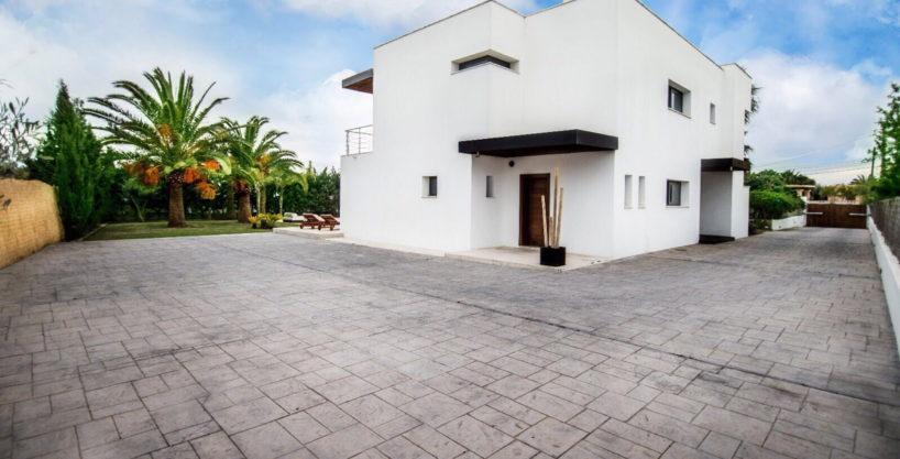 villa-2-4-bedrooms-san-jordi34.jpg
