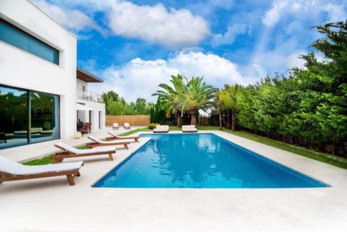 villa 2 - 4 bedrooms -san jordi37
