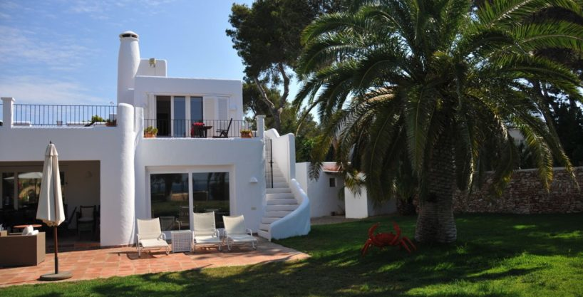313-Villa-Rent-8-rooms-Cala-Pada-Ibiza-03.jpg