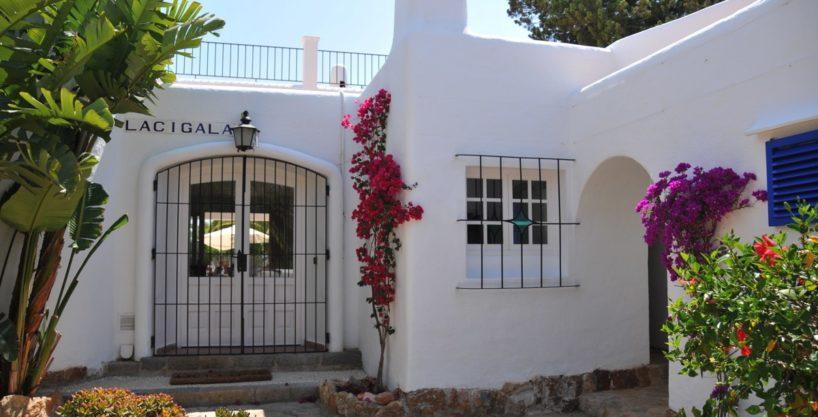 313-Villa-Rent-8-rooms-Cala-Pada-Ibiza-09.jpg