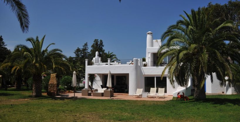 313-Villa-Rent-8-rooms-Cala-Pada-Ibiza-12.jpg