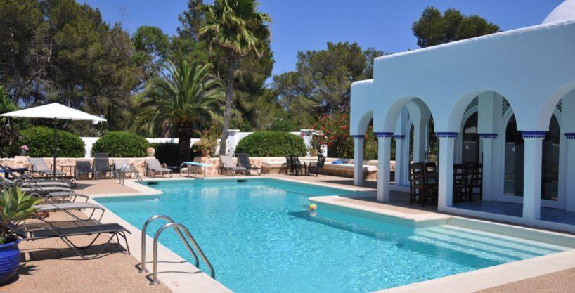 313-Villa-Rent-8-rooms-Cala-Pada-Ibiza-18.jpg