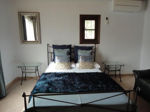 villa 11-4 bedrooms-buscatell38