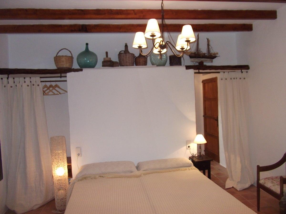 villa 121-4 bedrooms-san jordi04
