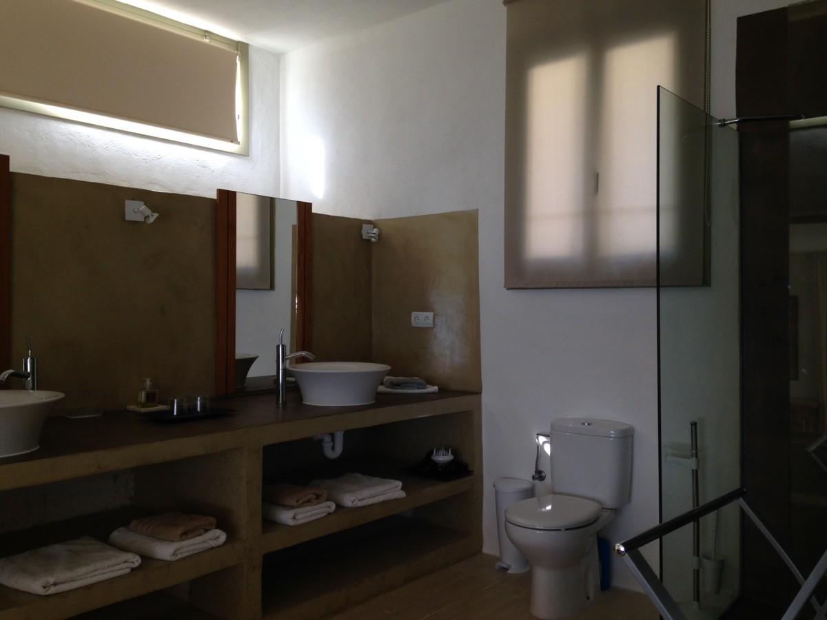 villa 234-4 bedrooms-es cubells09