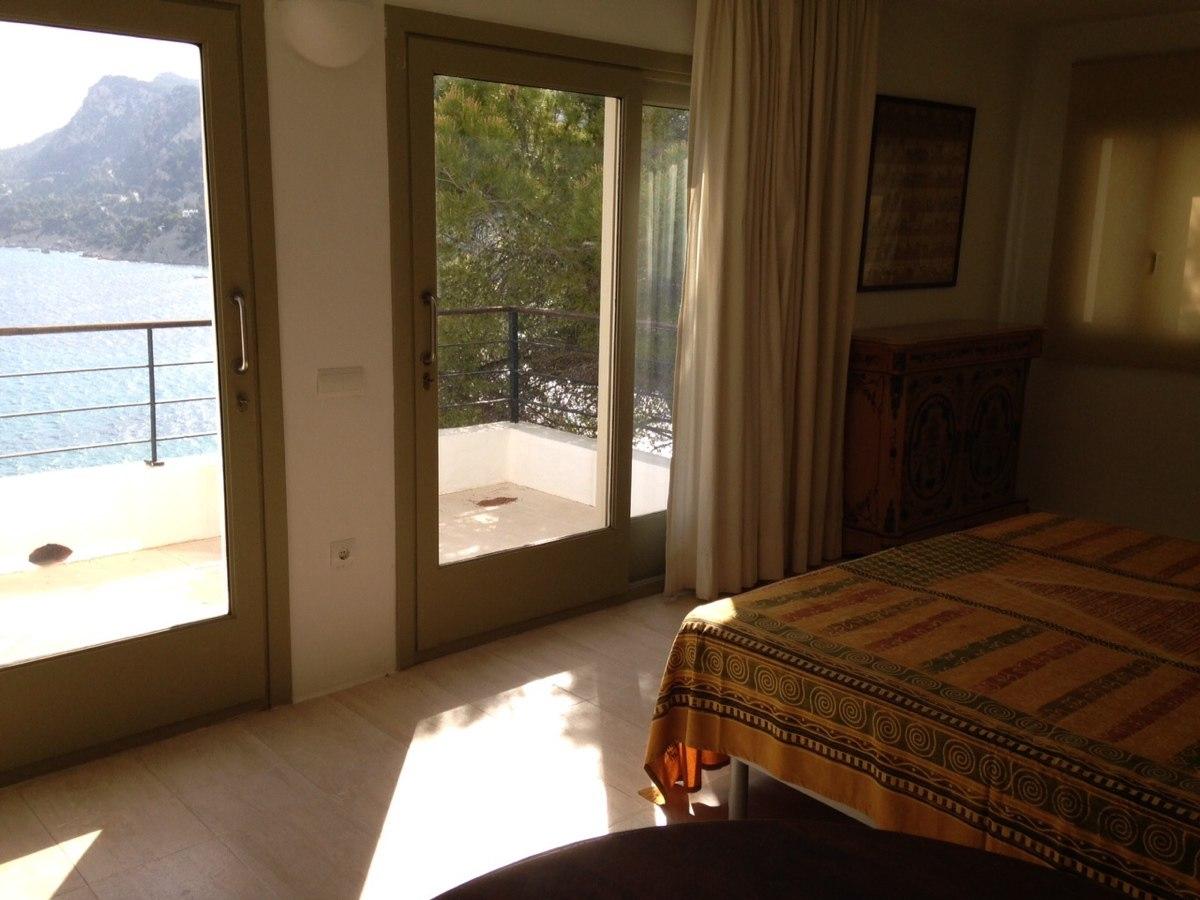 villa 234-4 bedrooms-es cubells12