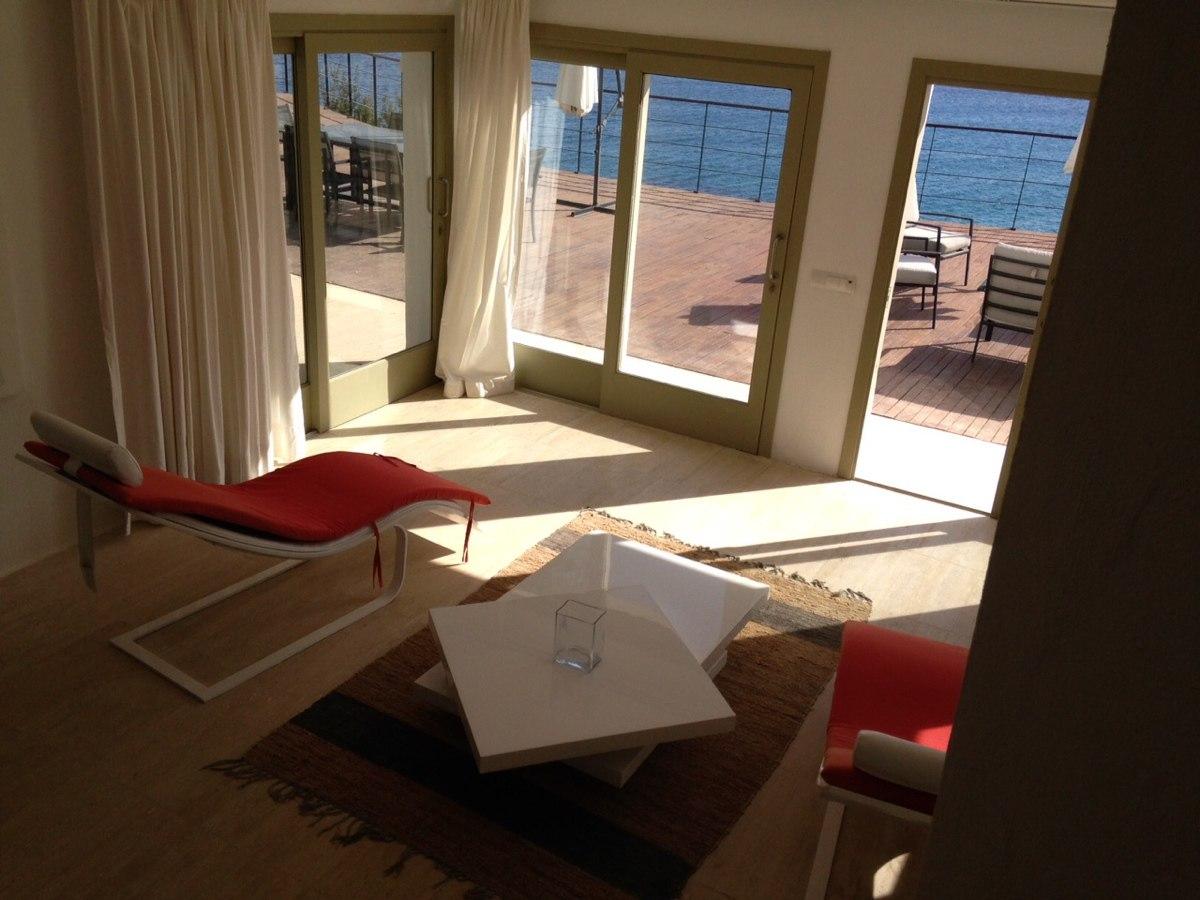 villa 234-4 bedrooms-es cubells13