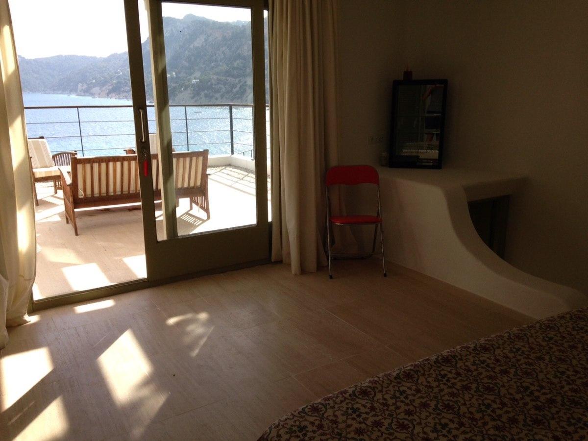 villa 234-4 bedrooms-es cubells22