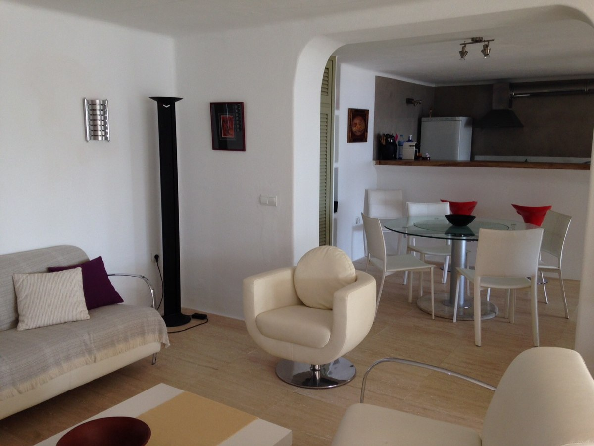 villa 234-4 bedrooms-es cubells31