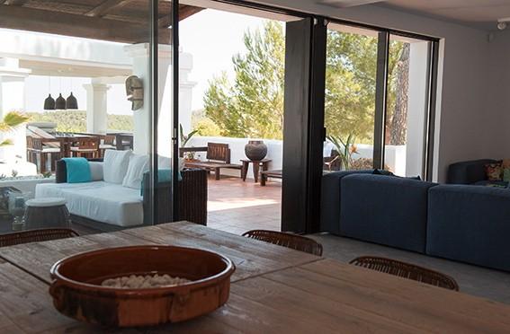 villa 277-4 bedrooms-cala tarida10