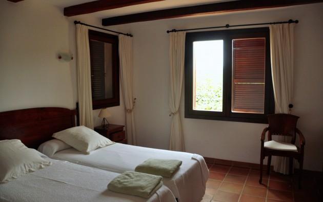 villa 290-6 bedrooms-cala bassa05