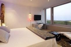 villa 298-6 bedrooms-es cubells21
