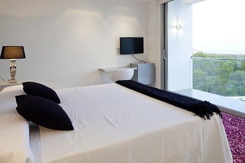 villa 298-6 bedrooms-es cubells24