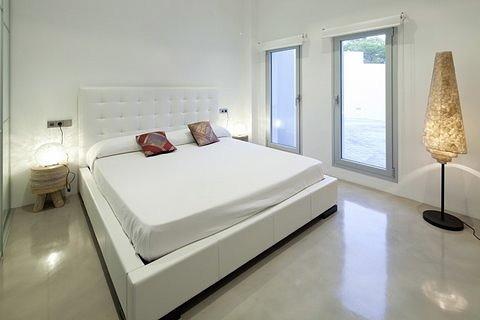 villa 298-6 bedrooms-es cubells27