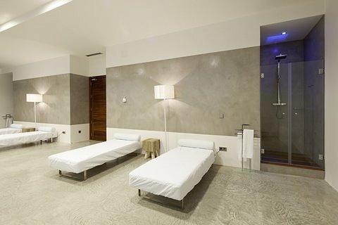 villa 298-6 bedrooms-es cubells33