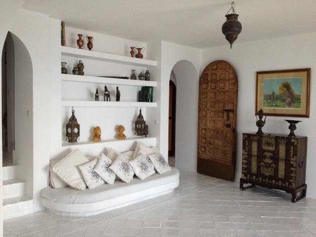 villa 299-6 bedrooms-es cubells10