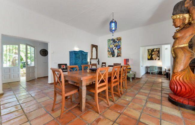 villa-313-5-bedrooms-cala-pada04.jpg