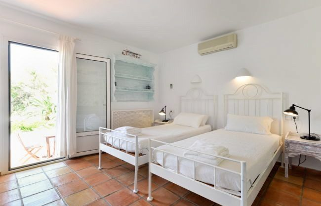 villa-313-5-bedrooms-cala-pada08.jpg