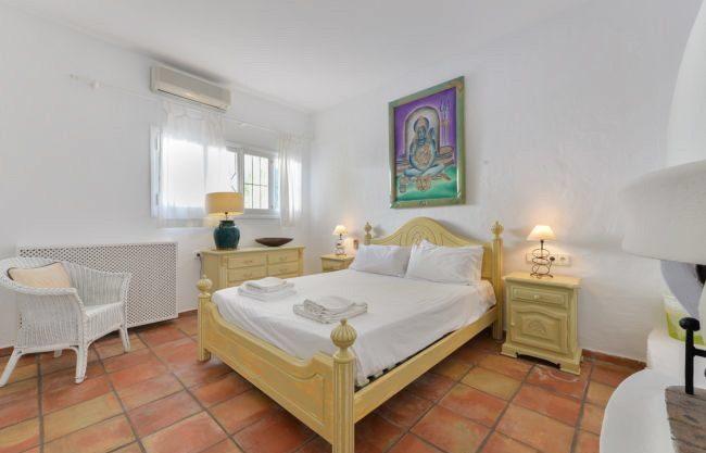 villa-313-5-bedrooms-cala-pada11.jpg