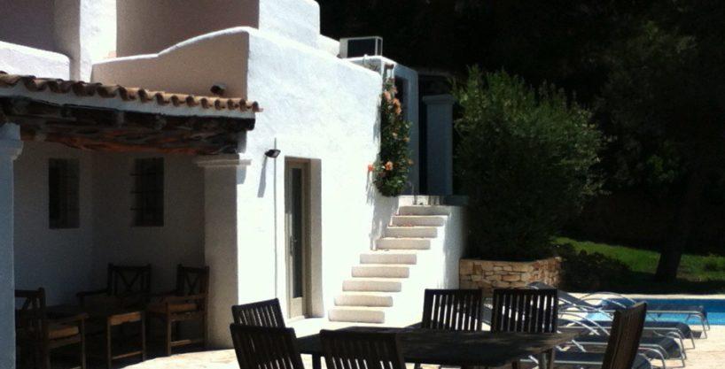 villa-95-5-bedrooms-es-cubells18.jpg
