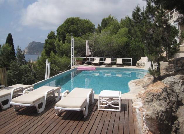 villa 96-4 bedrooms-es cubells01