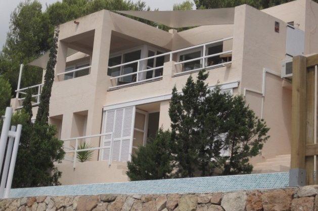 villa-96-4-bedrooms-es-cubells08.jpg