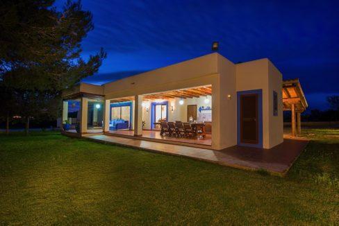 villa 132-4 bedrooms-jesus02