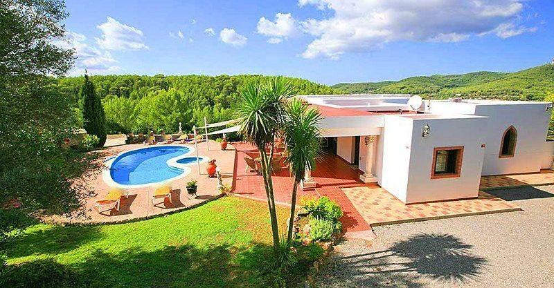 villa-148-4-bedrooms-santa-eulalia14.jpg