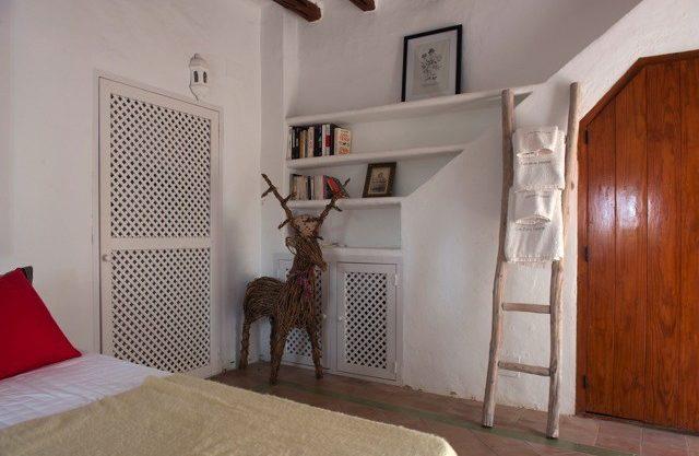 villa-150-6-bedrooms-san-jose05.jpg