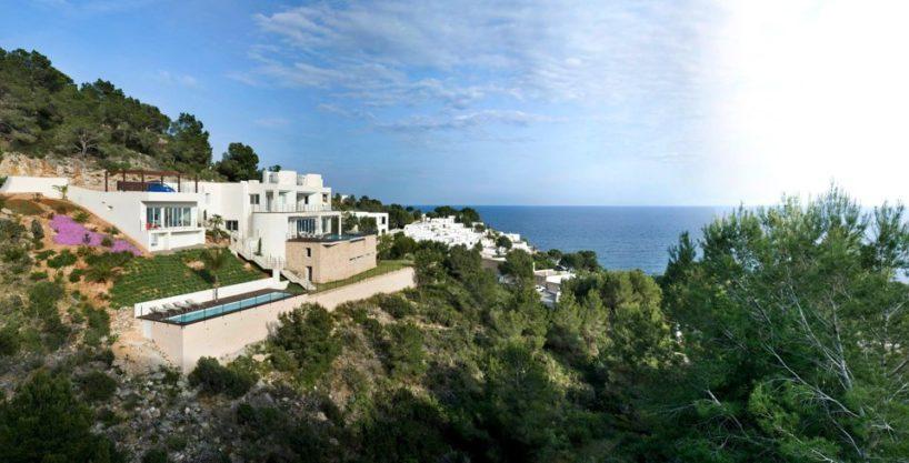 villa-173-6-bedrooms-roca-llisa01.jpg