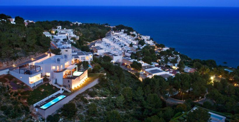 villa-173-6-bedrooms-roca-llisa02.jpg