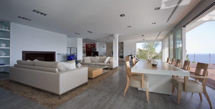 villa-173-6-bedrooms-roca-llisa10.jpg