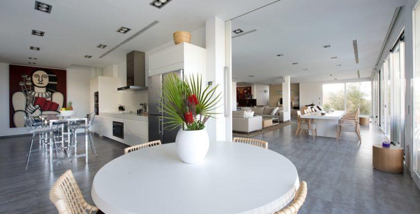 villa-173-6-bedrooms-roca-llisa16.jpg