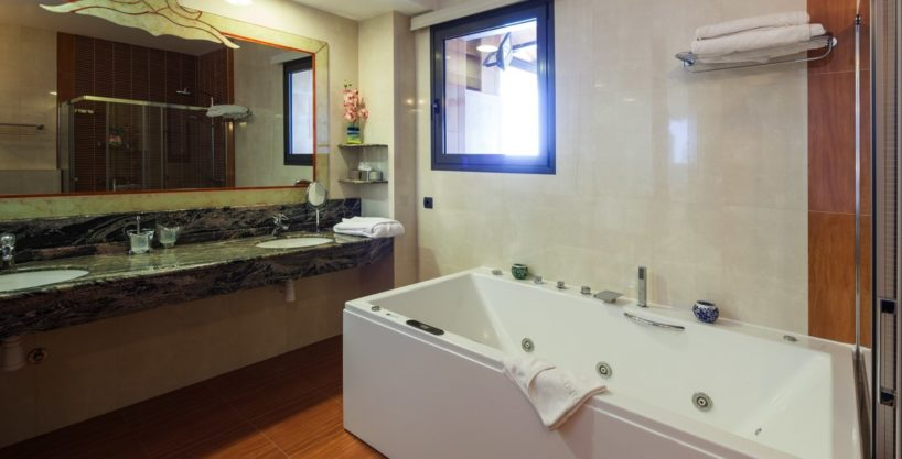 villa-175-10-bedrooms-sa-carroca15.jpg