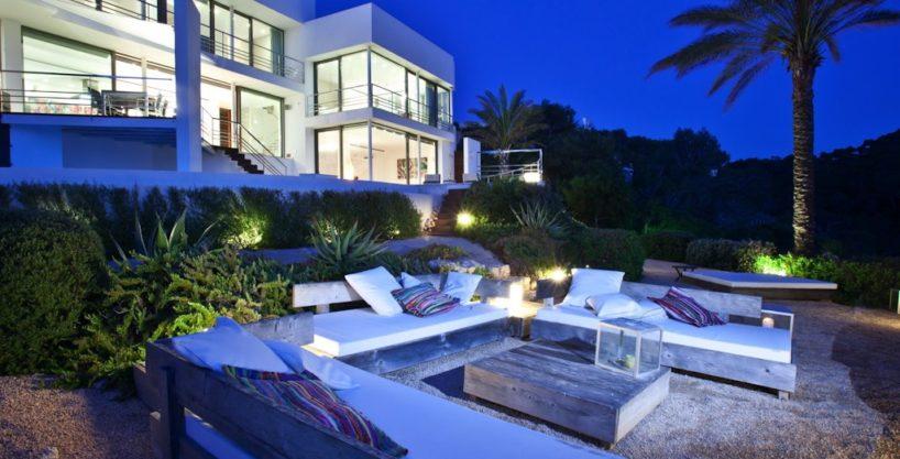 villa-222-3-bedrooms-cala-vadella01.jpg