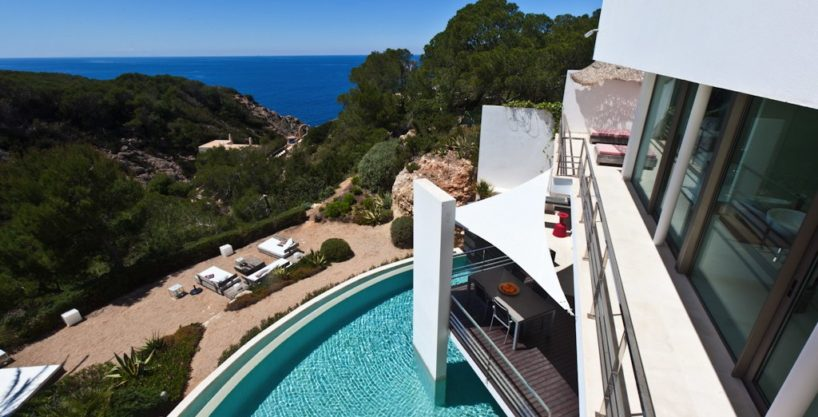 villa-222-3-bedrooms-cala-vadella04.jpg