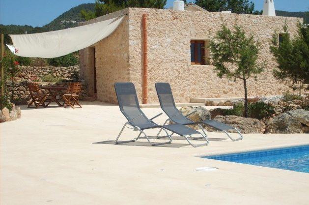 villa-278-1-bedroom-cala-tarida07.jpg