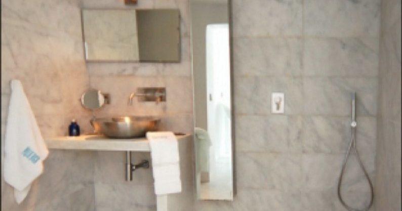 villa-284-5-bedrooms-cala-jondal-31_630x472_Fotor.jpg