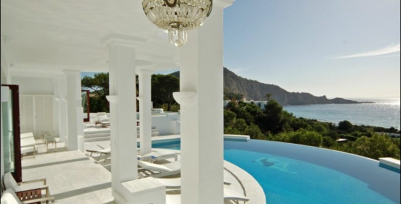villa-284-5-bedrooms-cala-jondal12_630x472.jpg