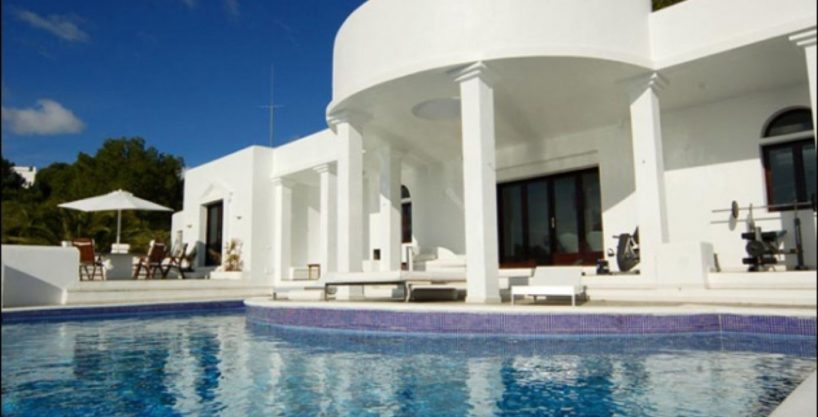villa-284-5-bedrooms-cala-jondal13_630x472.jpg